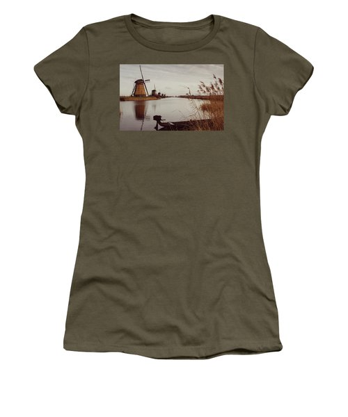 Famous Windmills At Kinderdijk, Netherlands Women's T-Shirt