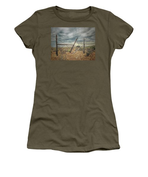 Fence Post Blues  Women's T-Shirt (Athletic Fit)