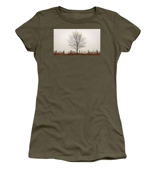 Foggy Lone Tree Hill Women's T-Shirt