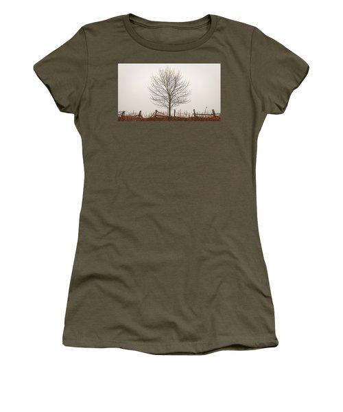 Foggy Lone Tree Hill Women's T-Shirt