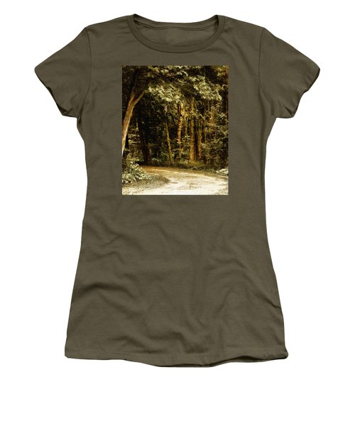 Forest Curve Women's T-Shirt (Athletic Fit)