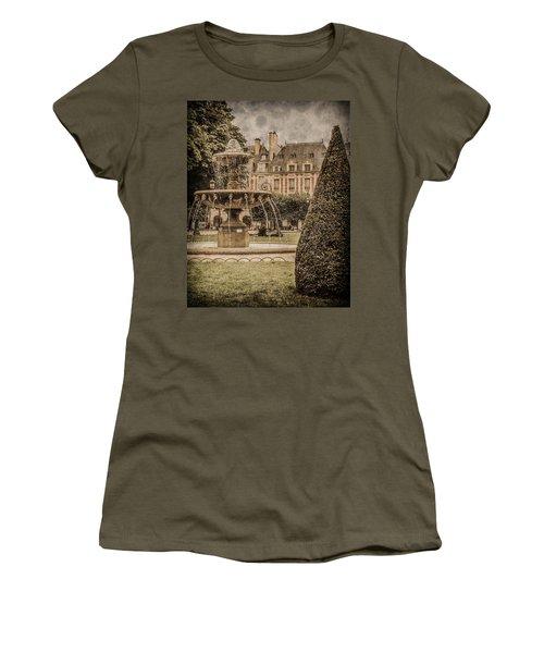 Paris, France - Fountain, Place Des Vosges Women's T-Shirt