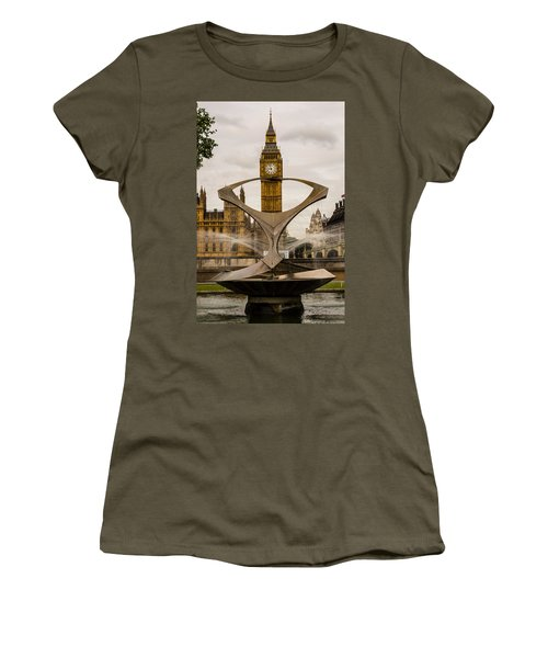 Fountain With Big Ben Women's T-Shirt