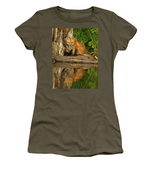 Fox Reflection Women's T-Shirt (Athletic Fit)