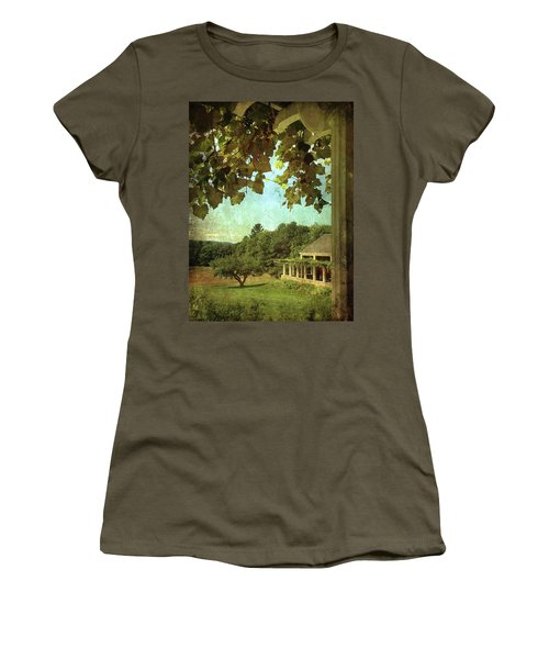 Grapes On Arbor  Women's T-Shirt