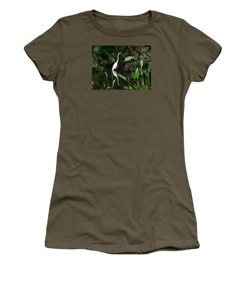 Great Egret In Pond Women's T-Shirt (Junior Cut) by Melinda Saminski