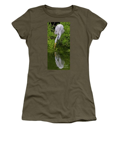 Great Egret With Its Reflection Women's T-Shirt