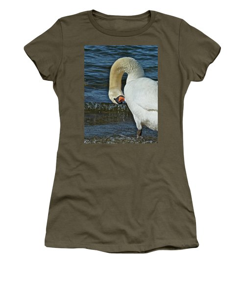 Grooming Women's T-Shirt