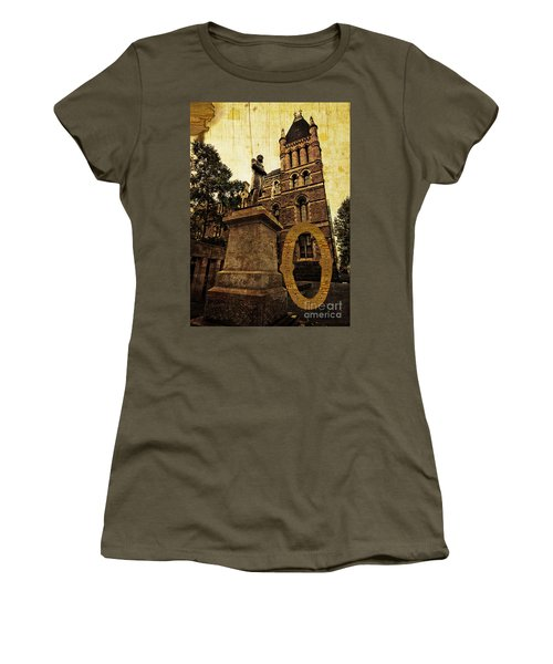 Grungy Melbourne Australia Alphabet Series Letter O Francis Ormo Women's T-Shirt (Athletic Fit)
