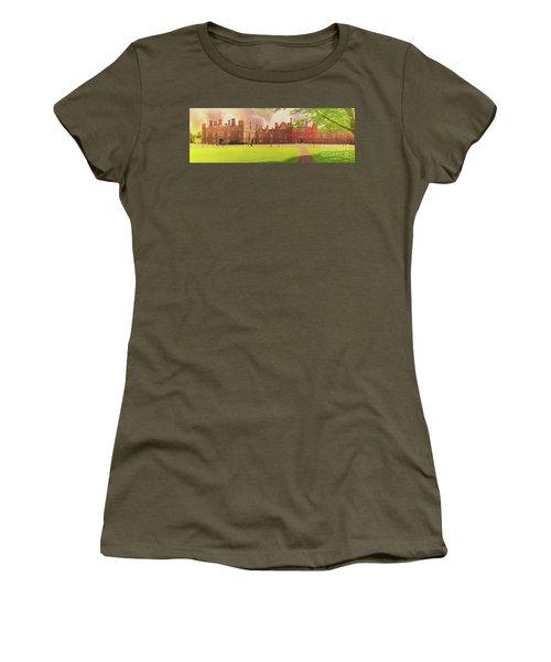 Hampton Court Palace Panorama Women's T-Shirt