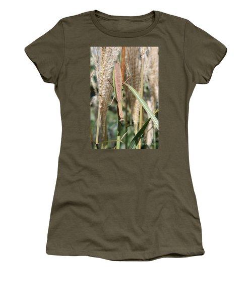Hanging Around Women's T-Shirt