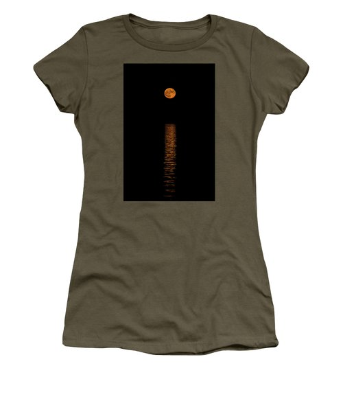 Women's T-Shirt (Junior Cut) featuring the photograph Harvest Moonrise by Paul Freidlund
