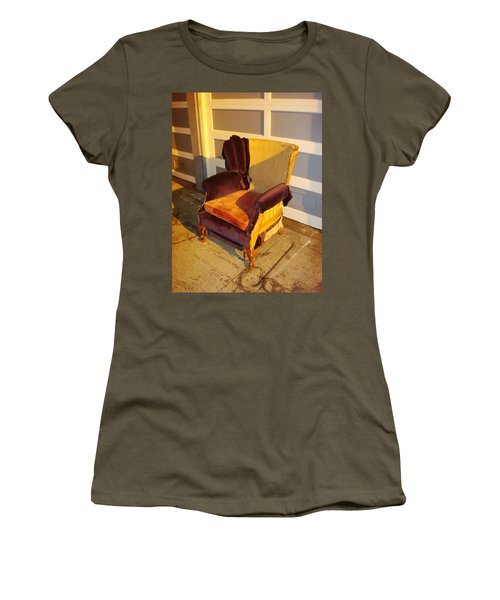 Women's T-Shirt featuring the photograph Have A Seat In Dore Alley by Mr Photojimsf