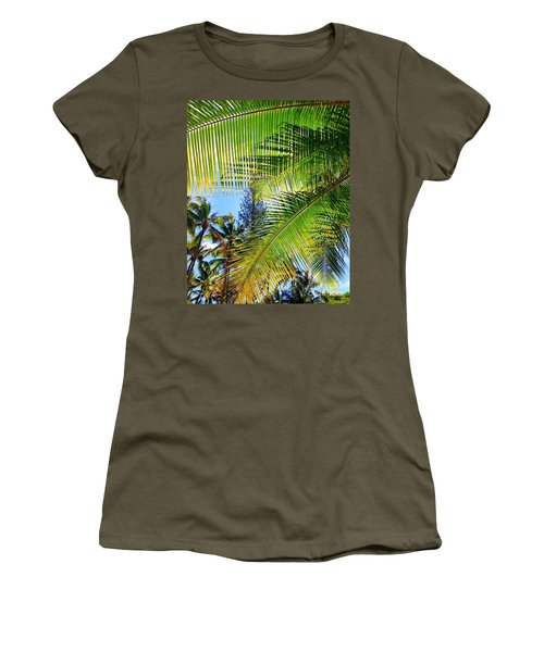 Hawaiian Palm Women's T-Shirt (Athletic Fit)