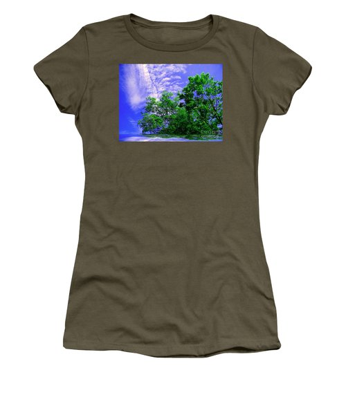 Women's T-Shirt (Junior Cut) featuring the photograph Heavenly by Elfriede Fulda
