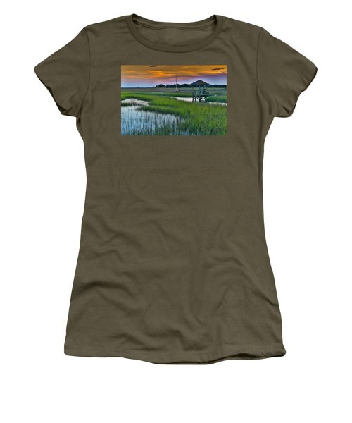 High Tide On The Creek - Mt. Pleasant Sc Women's T-Shirt