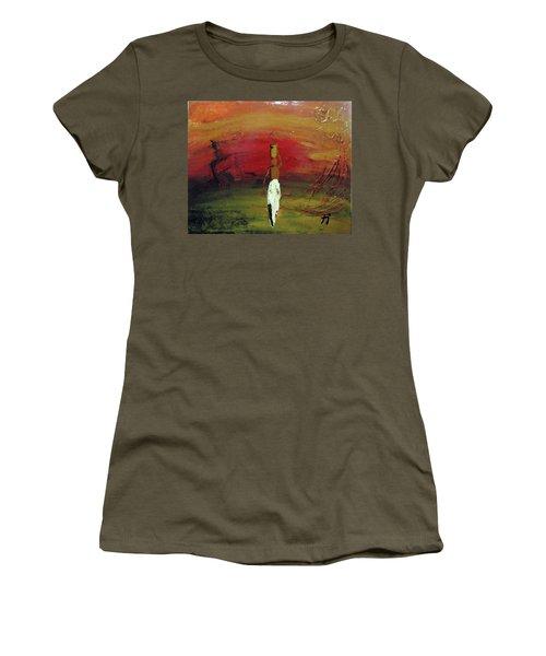 Historias Women's T-Shirt (Athletic Fit)
