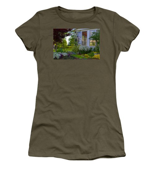 Home Garden Women's T-Shirt (Athletic Fit)