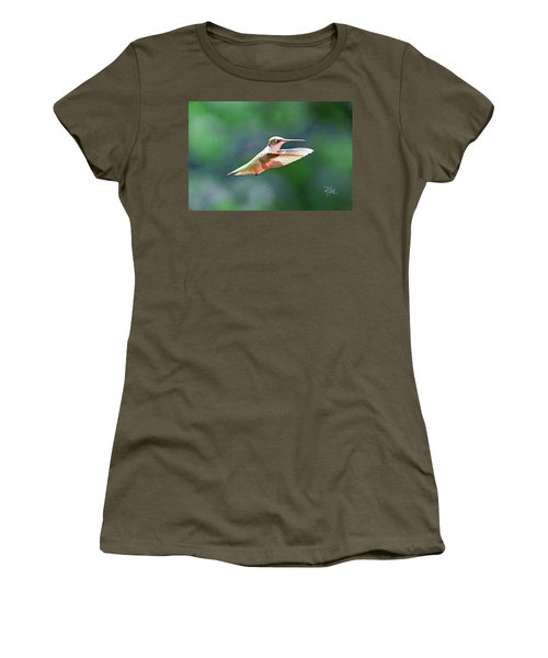 Hummingbird Flying Women's T-Shirt (Athletic Fit)