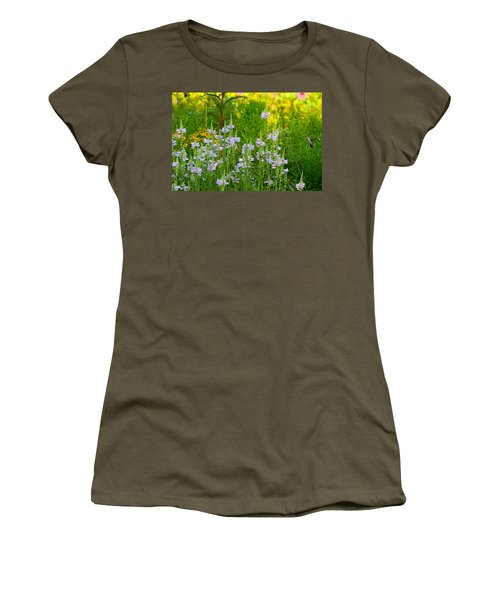 Hummingbird Heaven Women's T-Shirt