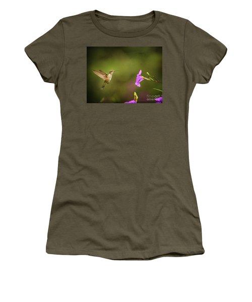 Hummingbird Pink Flower Women's T-Shirt