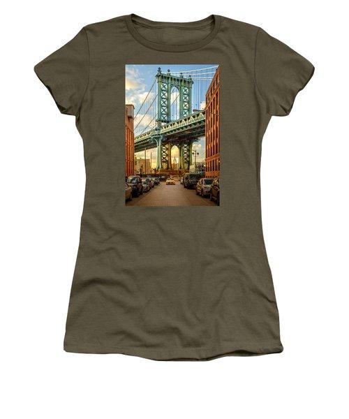 Iconic Manhattan Women's T-Shirt