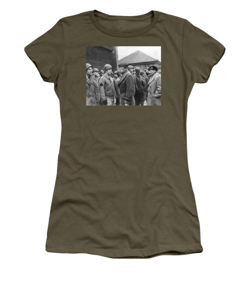 Ike Checks Invasion Forces Women's T-Shirt