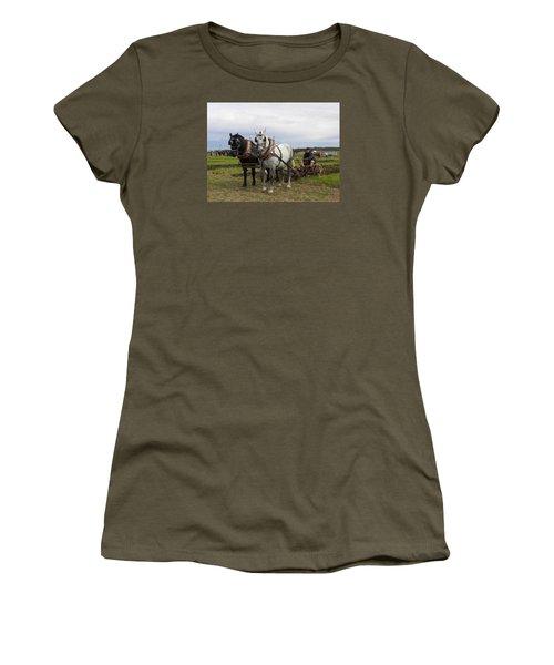 Ipm 3 Women's T-Shirt