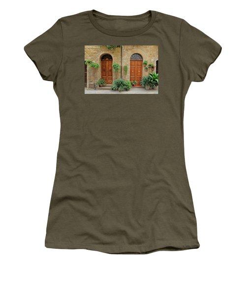 Italy - Door Seventeen Women's T-Shirt (Athletic Fit)