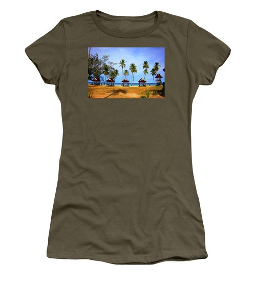 It's Real And Close Women's T-Shirt (Athletic Fit)
