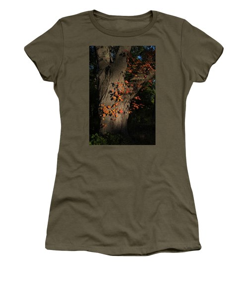Ivy In The Fall Women's T-Shirt (Athletic Fit)