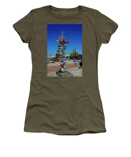 Key West Destination Sign Women's T-Shirt (Athletic Fit)