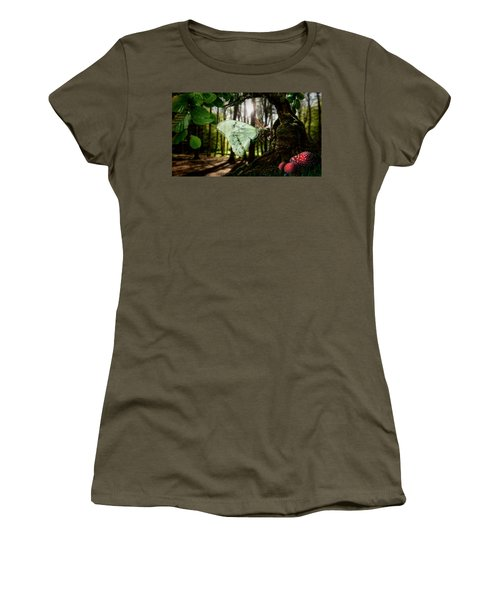 Lady Butterfly Women's T-Shirt