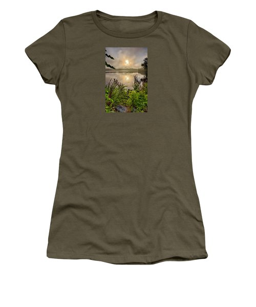 Lake Pentucket Sunrise, Haverhill, Ma Women's T-Shirt (Athletic Fit)