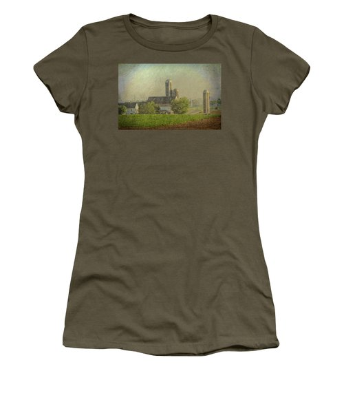 Lancaster Pennsylvania Farm Women's T-Shirt (Athletic Fit)