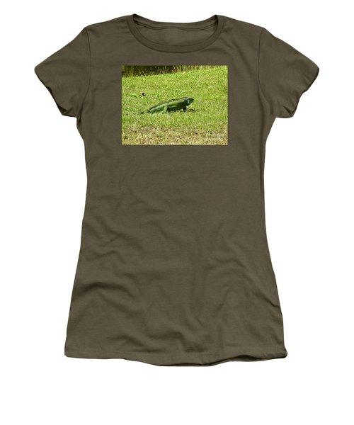 Large Sanibel Iguana Women's T-Shirt (Athletic Fit)