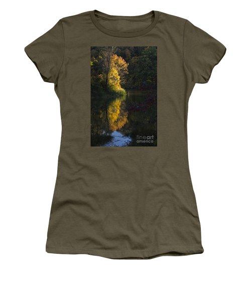 Women's T-Shirt (Junior Cut) featuring the photograph Last Light - D009910 by Daniel Dempster