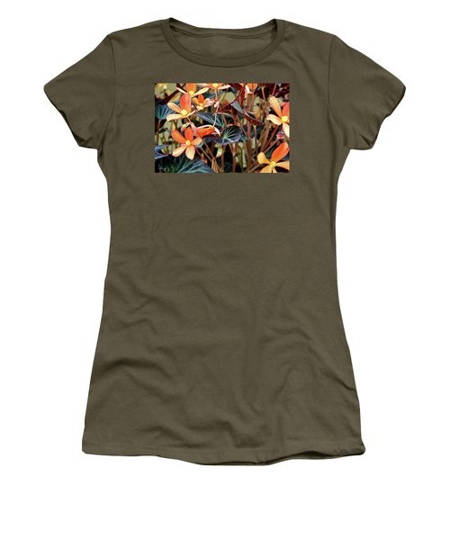 Live Tapistry Women's T-Shirt (Athletic Fit)