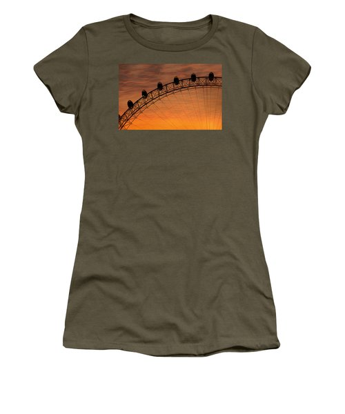 London Eye Sunset Women's T-Shirt (Athletic Fit)