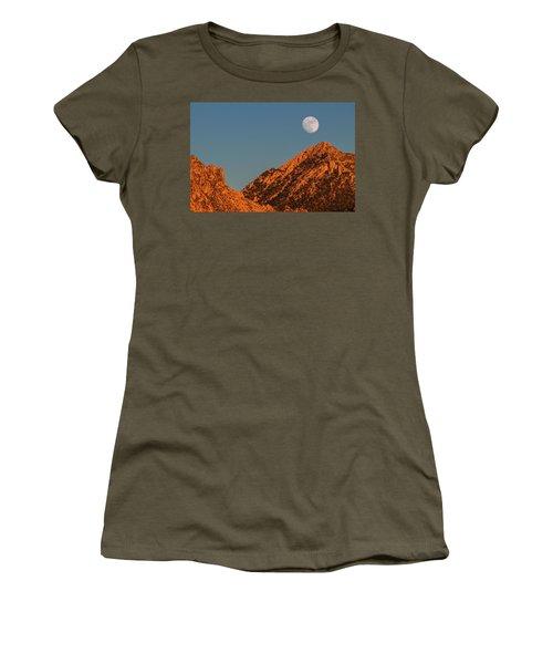 Lunar Sunset Women's T-Shirt (Athletic Fit)