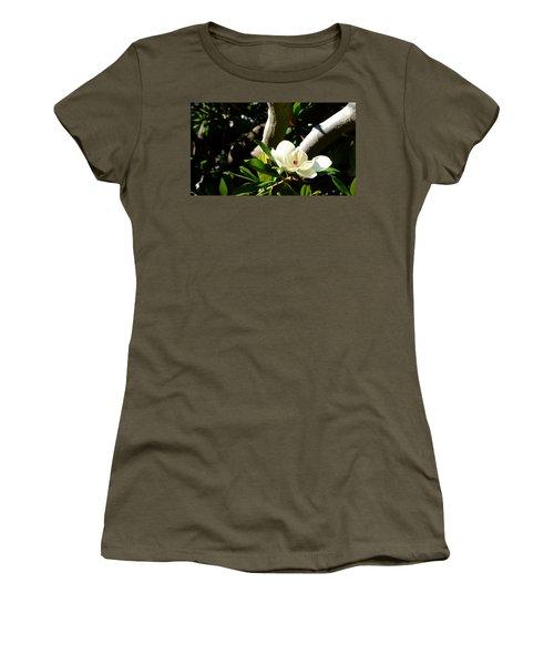 Magnolia Nest Women's T-Shirt