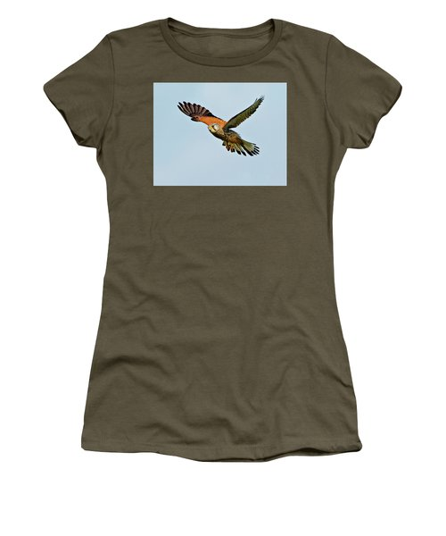 Male Kestrel In The Wind. Women's T-Shirt (Athletic Fit)