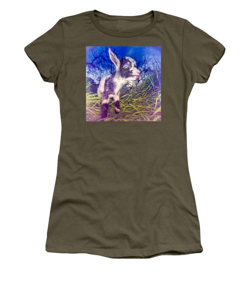 Moo Cow Love Grass Women's T-Shirt (Athletic Fit)