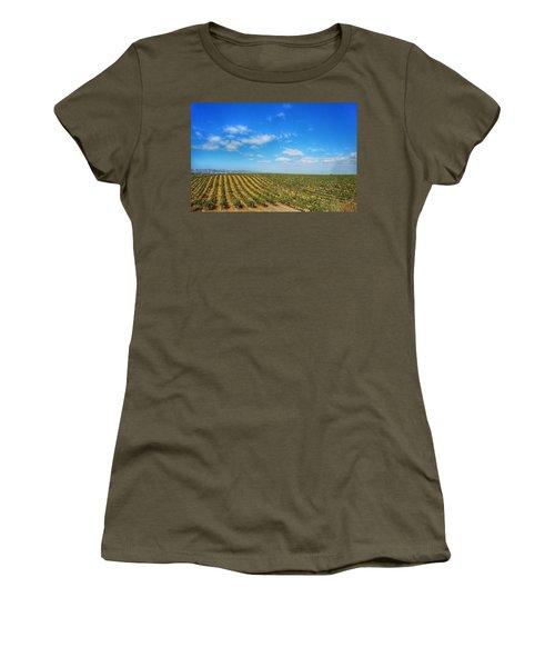 Morgan Hill Vinyard Women's T-Shirt (Athletic Fit)