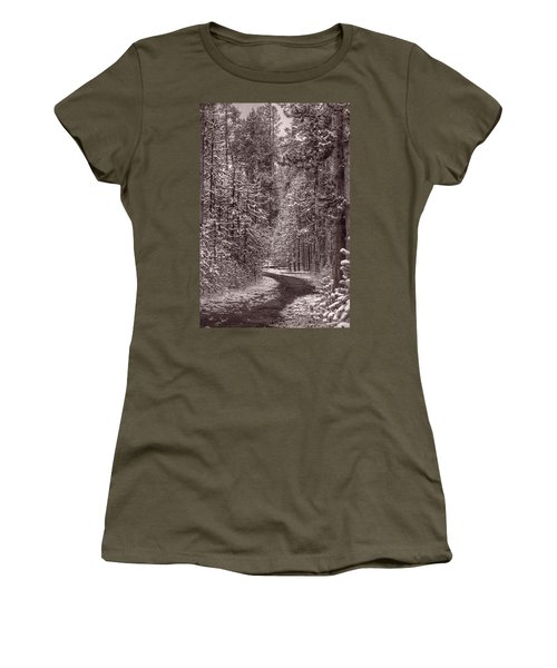 Mountain Trail Yellowstone Bw Women's T-Shirt