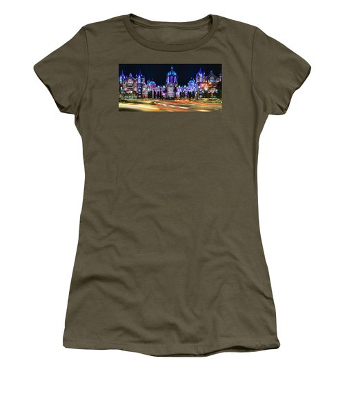 Mumbai Moment Women's T-Shirt (Athletic Fit)