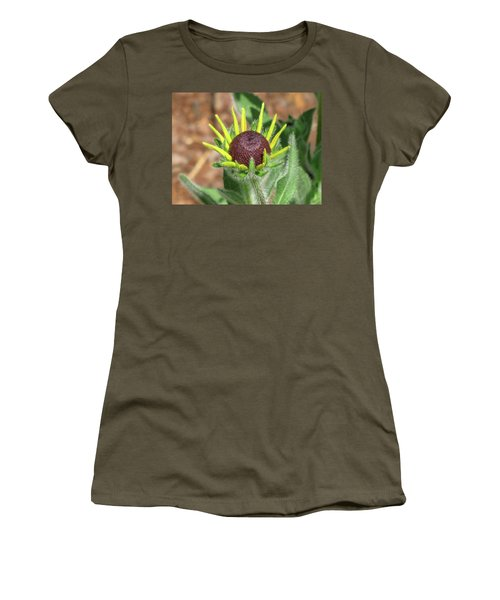 New Daisy Women's T-Shirt (Athletic Fit)