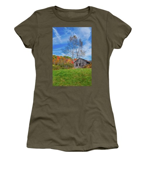 Women's T-Shirt (Athletic Fit) featuring the photograph New England Fall Foliage by Robert Bellomy