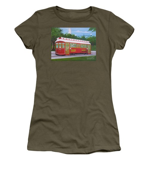 New Orleans Streetcar Women's T-Shirt (Athletic Fit)