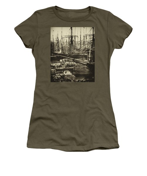 New York City Docks - 1800s Women's T-Shirt (Athletic Fit)
